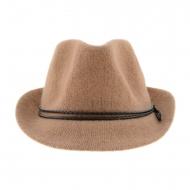 Chapéu feminino com aba e cordão trançado