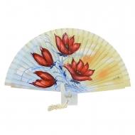 Fan design com flores vermelhas